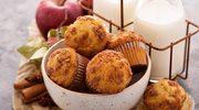 Słodkie muffiny z jabłkami