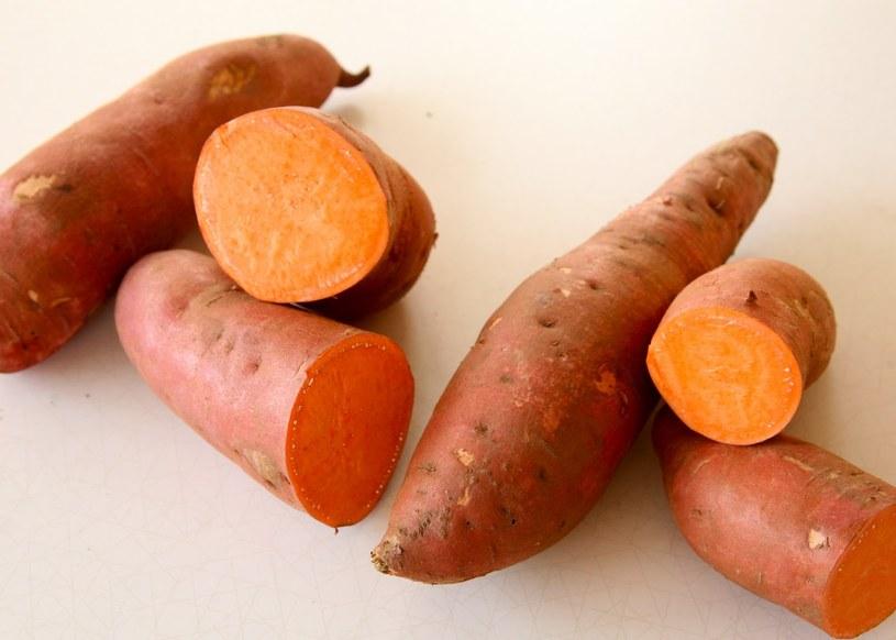 słodkie ziemniaki /© Photogenica