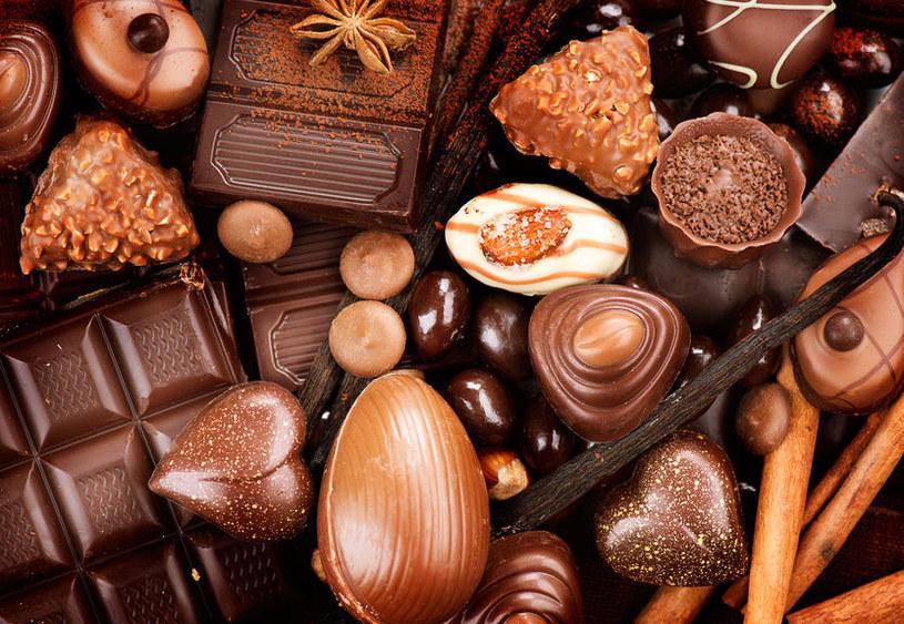 Słodycze powodują próchnicę /©123RF/PICSEL