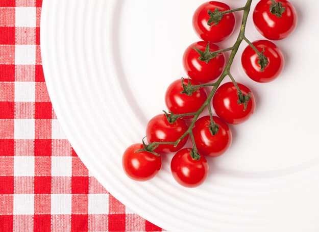 Słodycze zastępuj przekąskami z owoców i warzyw /© Panthermedia