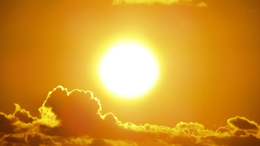Słońce jest głównym źródłem witaminy D /Pexels photo /Internet