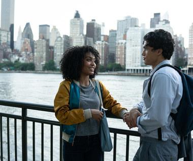 """""""Słońce też jest gwiazdą"""": Zegar miłości tyka w Nowym Jorku"""