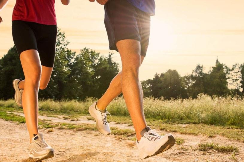 Slow jogging to obecnie jeden z silniejszych trendów aktywnego spędzania czasu na świecie. /rido /123RF/PICSEL
