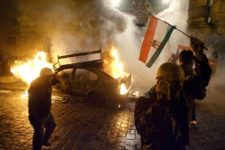Słowa premiera rozwścieczyły Węgrów /AFP