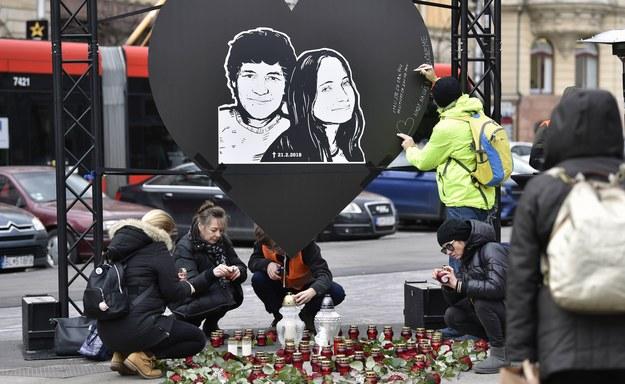 Słowacy upamiętniający zamordowanych /Dalibor Gluck    /PAP/EPA