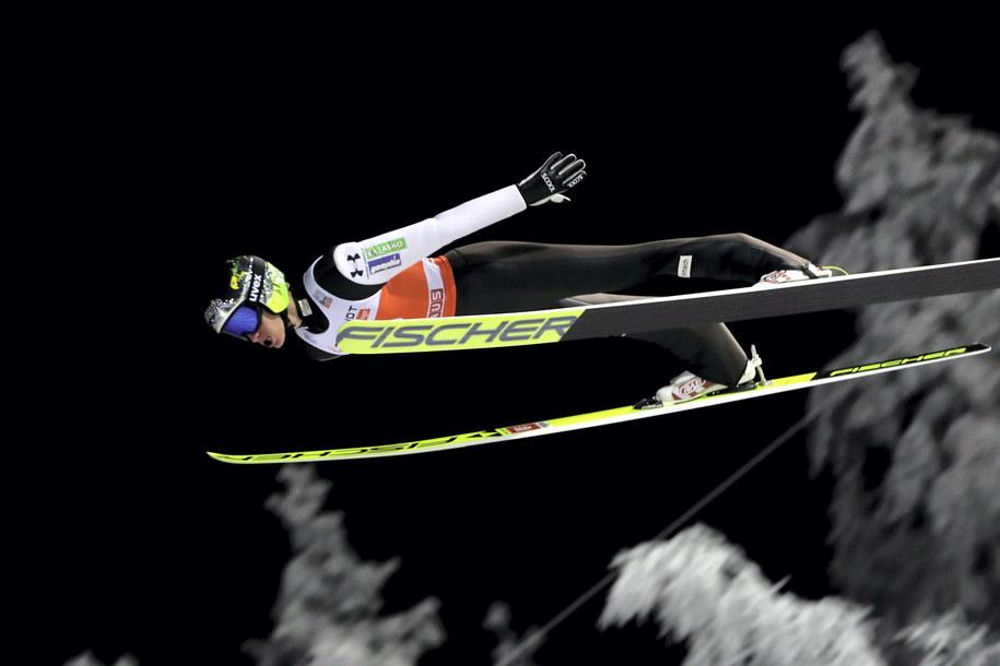Słoweniec Peter Prevc podczas 1. serii drugiego w sezonie 2019/2020 indywidualnego konkursu Pucharu Świata w skokach narciarskich / Grzegorz Momot    /PAP