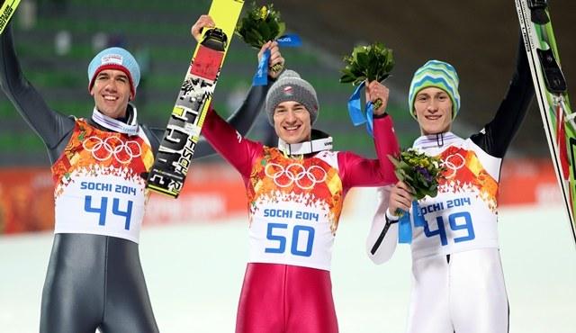 Słoweniec Peter Prevc - srebrny medal, Polak Kamil Stoch - złoto oraz Norweg Anders Bardal krążek brązowy /Grzegorz Momot /PAP/EPA