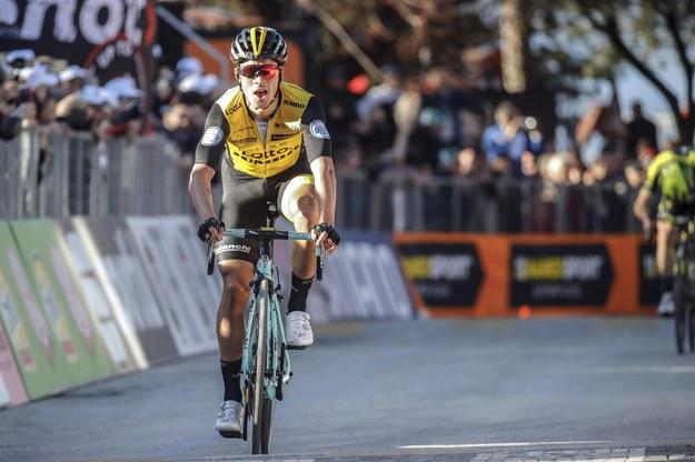 Słoweniec Primoz Roglic (LottoNL-Jumbo) finiszuje na trzecim etapie Tirreno-Adriatico /DARIO BELINGHERI /PAP/EPA