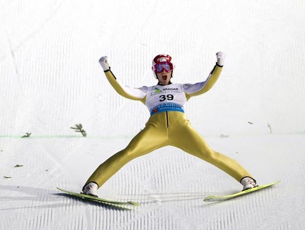 Słoweniec Robert Kranjec został mistrzem świata w lotach narciarskich /AFP
