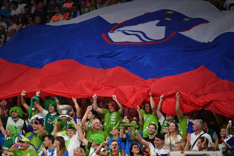 Słoweńscy kibice /AFP