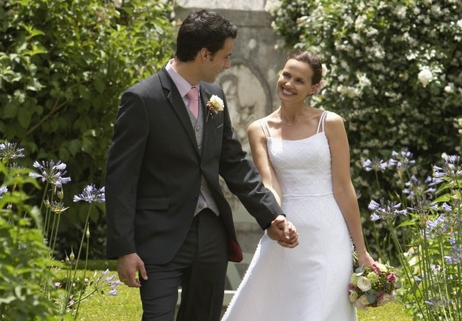 Ślub będzie można wziąć na łonie natury /Rex Features /East News