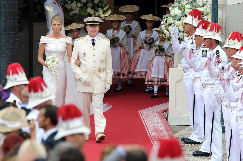 Ślub Charlene Wittstock i księcia Alberta w 2011 roku /Daniele Venturelli / Contributor /Getty Images