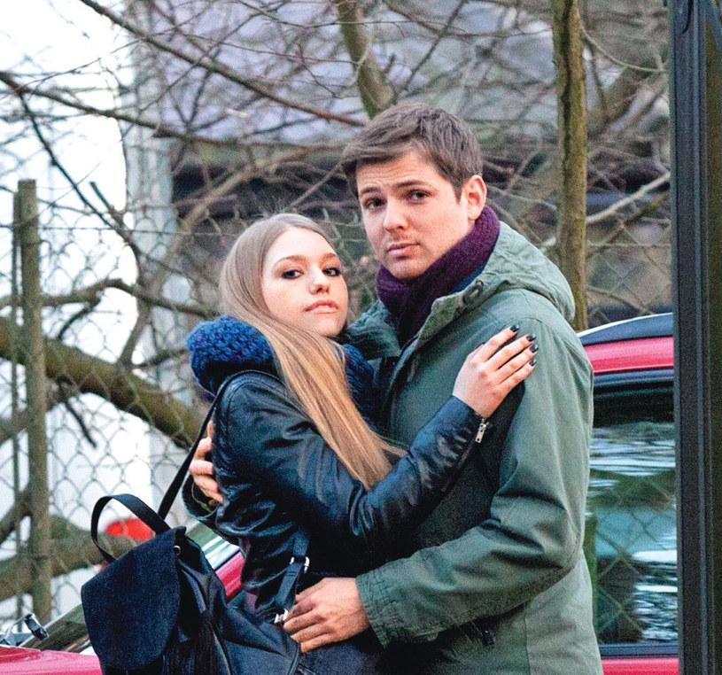 Ślub Julki i Czarka był totalnym zaskoczeniem dla rodziców dziewczyny /Kurier TV
