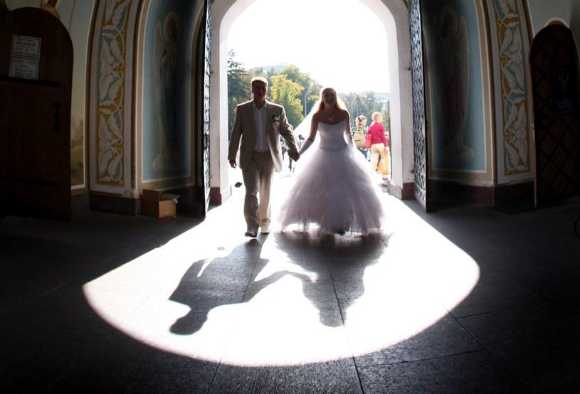 Ślub przestał być ważnym momentem /AFP