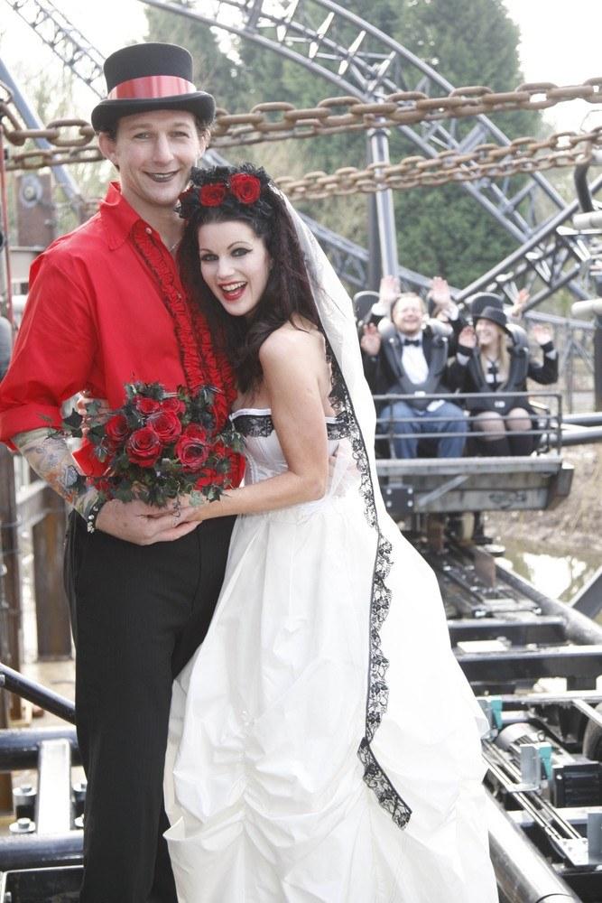 Ślub w wesołym miasteczku /Ferrari Press /East News
