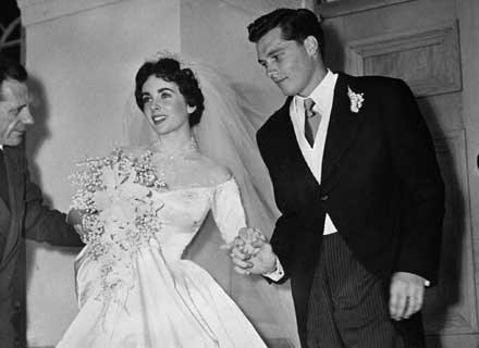 Ślub z pierwszym mężem aktorki Conradem HHiltonem /AFP