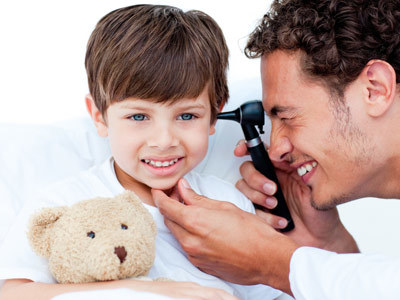 Słuch dziecka należy kontrolować od pierwszych miesięcy życia  /© Panthermedia