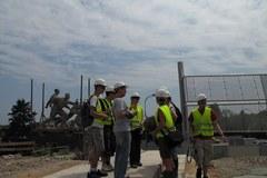 Słuchacze na budowie Stadionu Narodowego