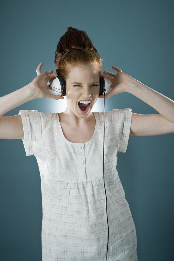 Słuchaj muzyki /© Photogenica