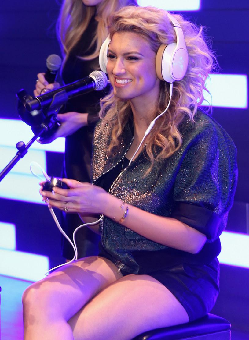 Słuchanie muzyki uszczęśliwia /Jonathan Leibson /Getty Images
