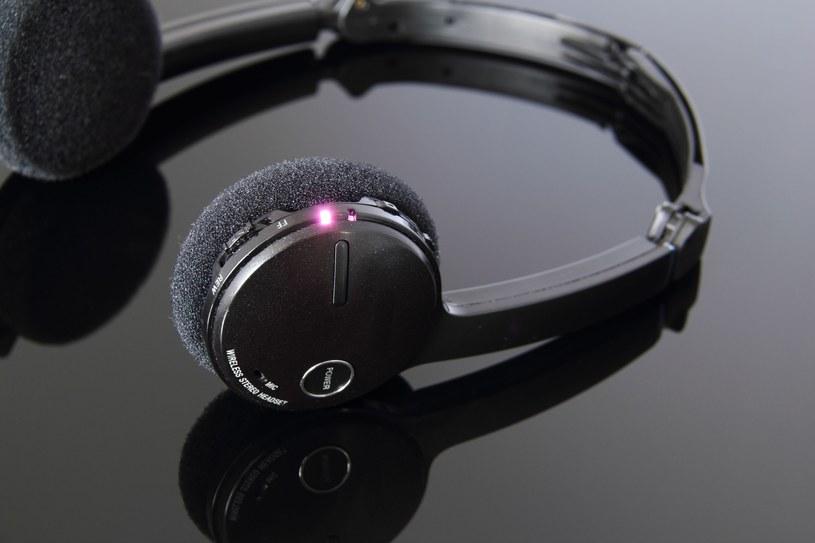 Słuchawki Bluetooth zagrożeniem dla prywatności? /123RF/PICSEL