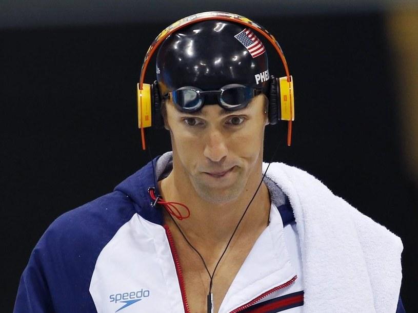 Słuchawki, które nosił Michael Phelps wykupują ze sklepów jego kibice /PAP