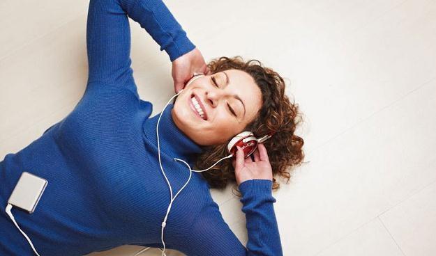 Słuchawki najlepszym prezentem pod choinkę - przynajmniej wg Szwedów /© Panthermedia