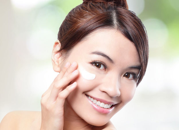 Śluz ze ślimaka to absolutny hit kosmetyczny ostatnich lat w Azji /123RF/PICSEL