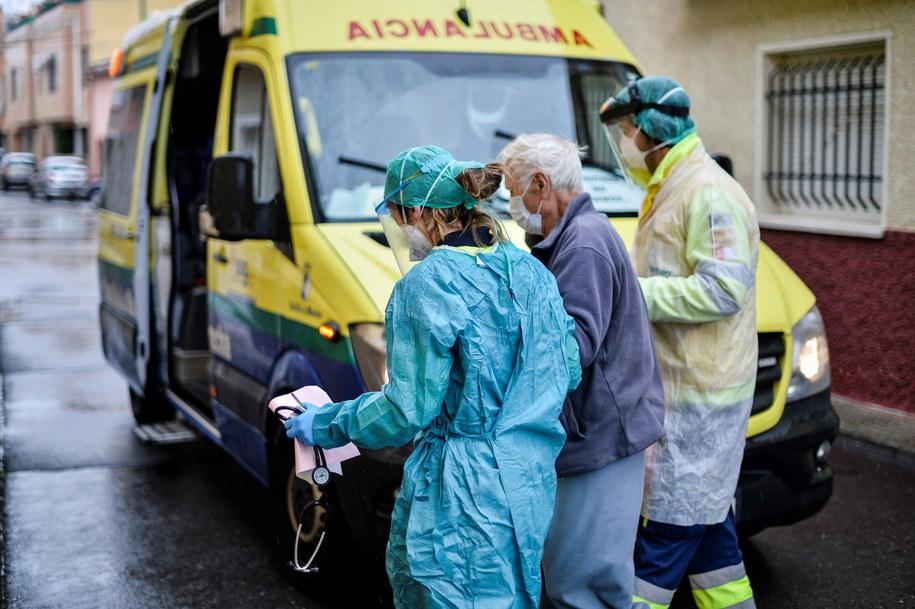 Służby medyczne w Hiszpanii na zdjęciu ilustracyjnym /NACHO IZQUIERDO /PAP/EPA