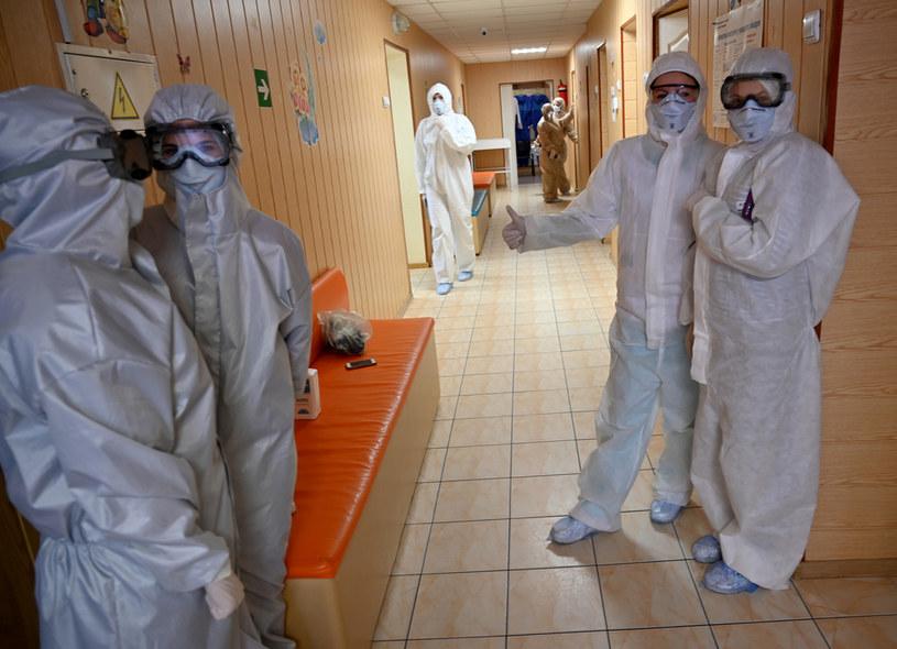Służby medyczne w szpitalu na Ukrainie /AFP