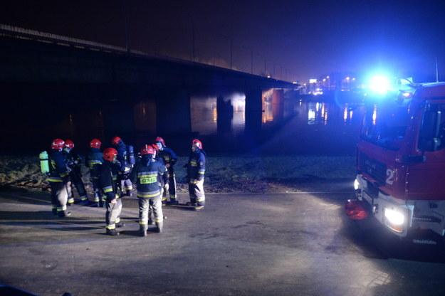 Służby na miejscu pożaru /PAP/Jacek Turczyk /PAP