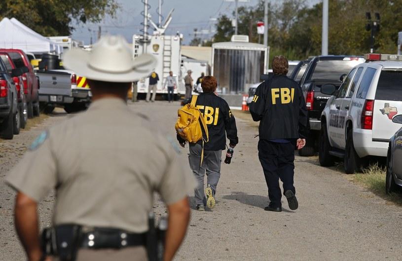 Służby na miejscu strzelaniny /LARRY W. SMITH /PAP/EPA