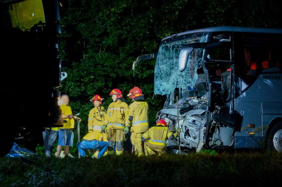 Służby na miejscu tragicznego wypadku w miejscowości Kleszczów /Hanna Bardo /PAP