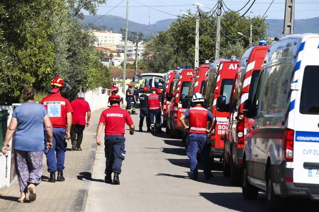 Służby na miejscu zdarzenia /PAULO CUNHA /PAP/EPA