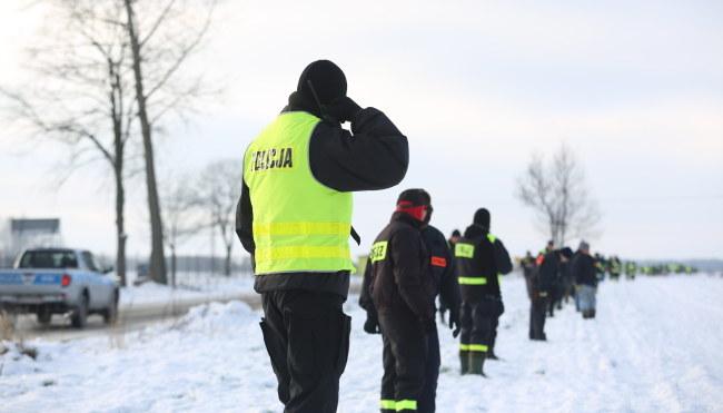 Służby podczas poszukiwań zaginionych chłopców /PAP/Leszek Szymański /PAP