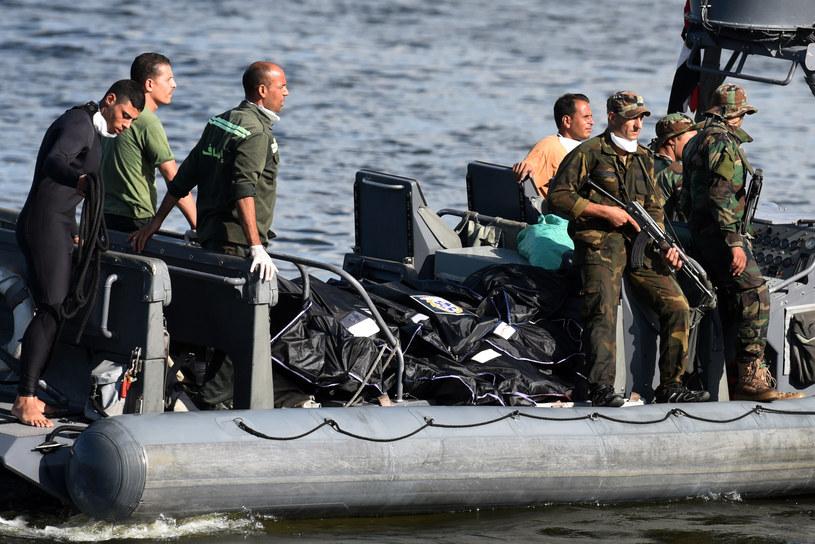 Służby podczas prac na Morzu Śródziemnym /AFP
