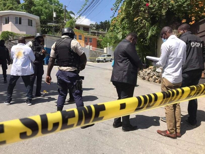 Służby przed rezydencją zamordowanego prezydenta Haiti /Stringer/Anadolu Agency /Getty Images