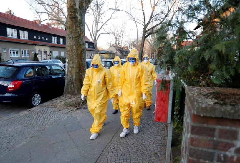 Służby sanitarne w Niemczech, Berlin, 23 marca 2020 r. /Fabrizio Bensch/REUTERS /Agencja FORUM