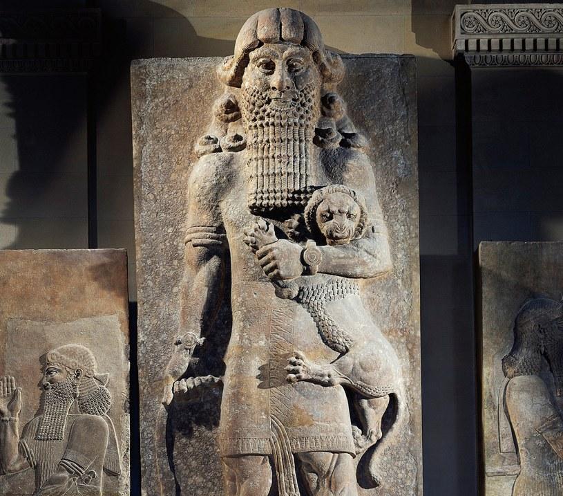 Słynna rzeźba przedstawiająca króla Gilgamesza /DEA / G. DAGLI ORTI/De Agostini /Getty Images