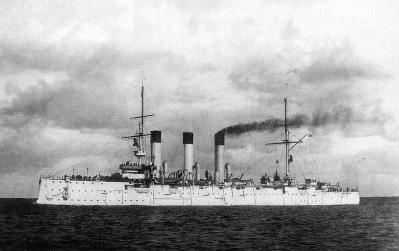 """Słynny krążownik """"Aurora"""" pod Dogger Bank został uszkodzony przez ogień rosyjskich pancerników /domena publiczna"""