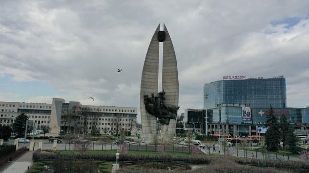 Słynny pomnik  Czynu Rewolucyjnego w Rzeszowie /Jacek Skóra /RMF FM