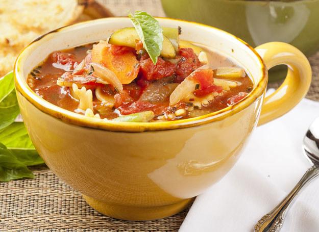Smaczna zupa na chłodniejsze dni /123RF/PICSEL