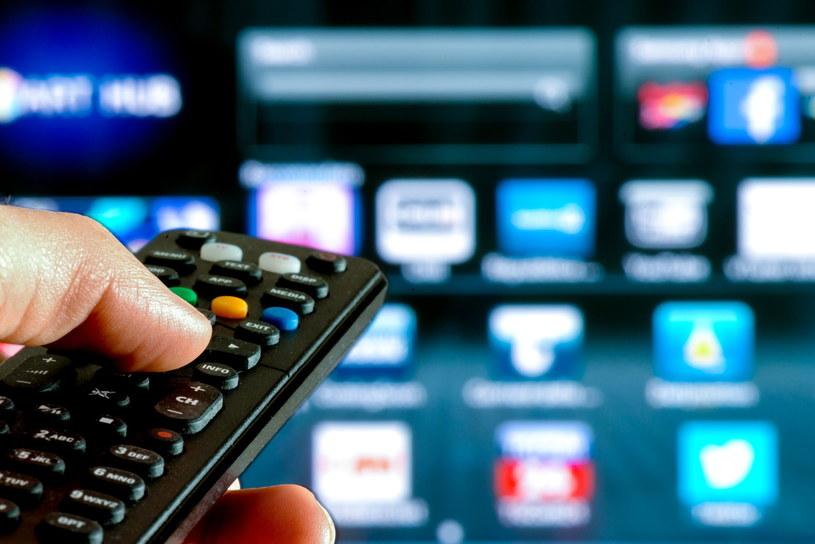 Smart TV umożliwia korzystanie m.in. z Netflixa i HBO Go /Adobe Stock