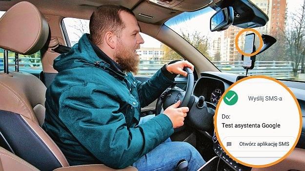 smartfon w samochodzie /Motor