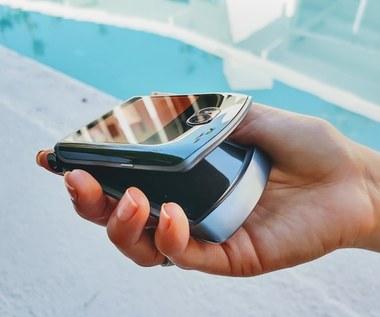 Smartfony 5G Motorola razr 5G i Samsung Galaxy S20 FE  w ofercie Plusa