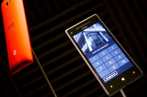 Smartfony HTC z Windows Phone 8 są świetnie zaprojektowane /AFP