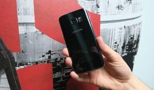 Smartfony serii Galaxy S7 z dwoma różnymi matrycami