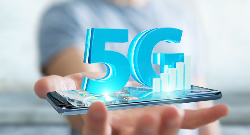 Smartfony z 5G - jakie modele wspierają sieć nowej generacji /123RF/PICSEL