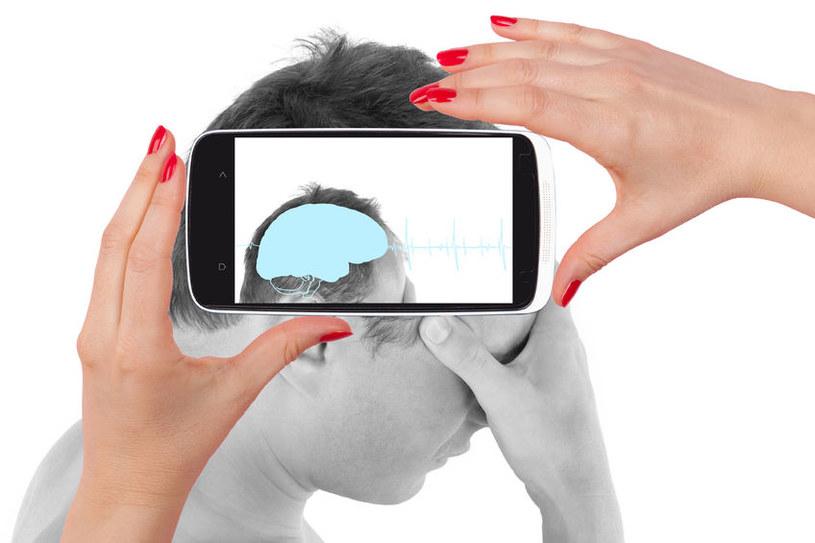 Smartfony zastąpią wizyty u lekarzy? /123RF/PICSEL