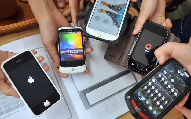 Smartfony /AFP